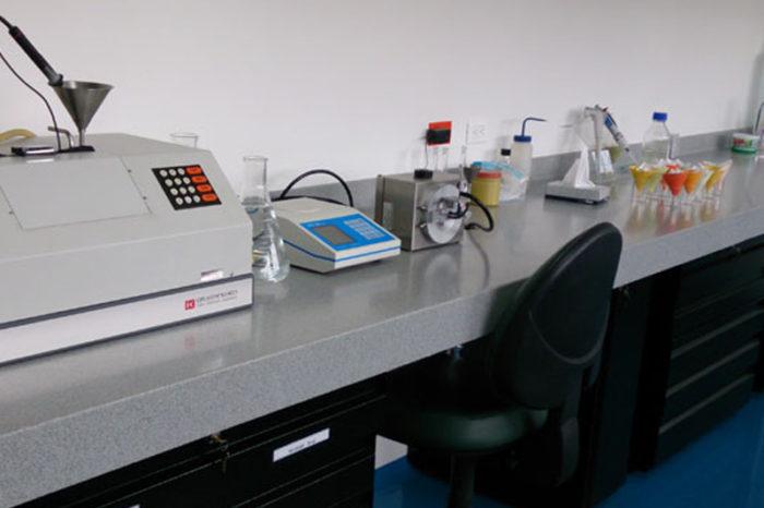 Laboratorio de análisis de caña